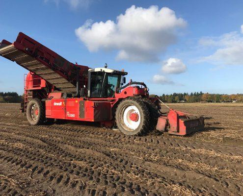 Blankespoor-harskamp_akkerbouw_aardappelrooier